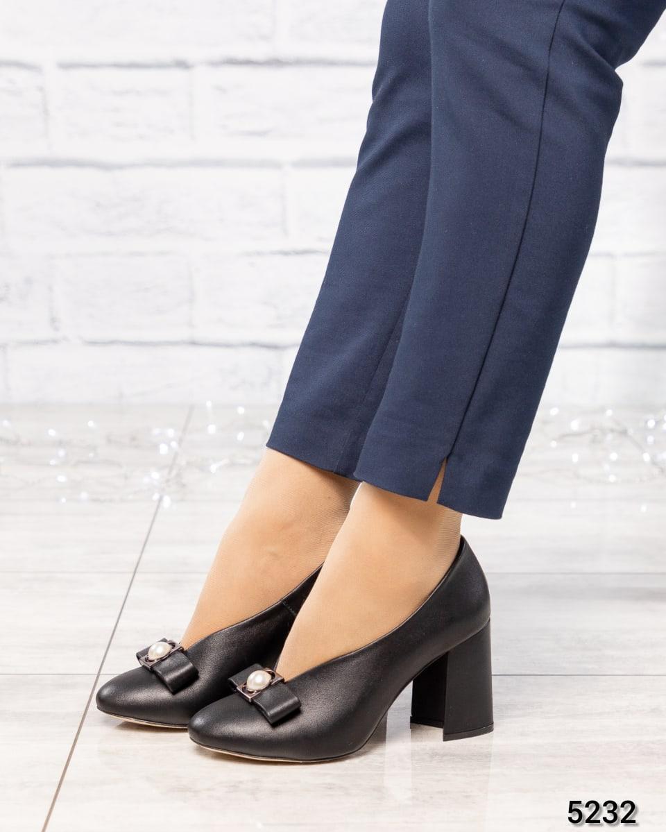Туфли женские  с бантом черные
