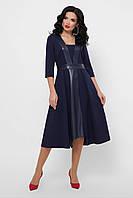 Женственное полуприталенное платье с кожаными вставками
