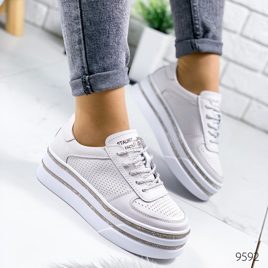 Женские туфли   натуральная кожа на платформе  на шнурках  белые