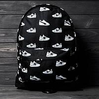 Яркий, стильный рюкзак с принтом кроссовок Nike. Для путешествий, тренировок, учебы