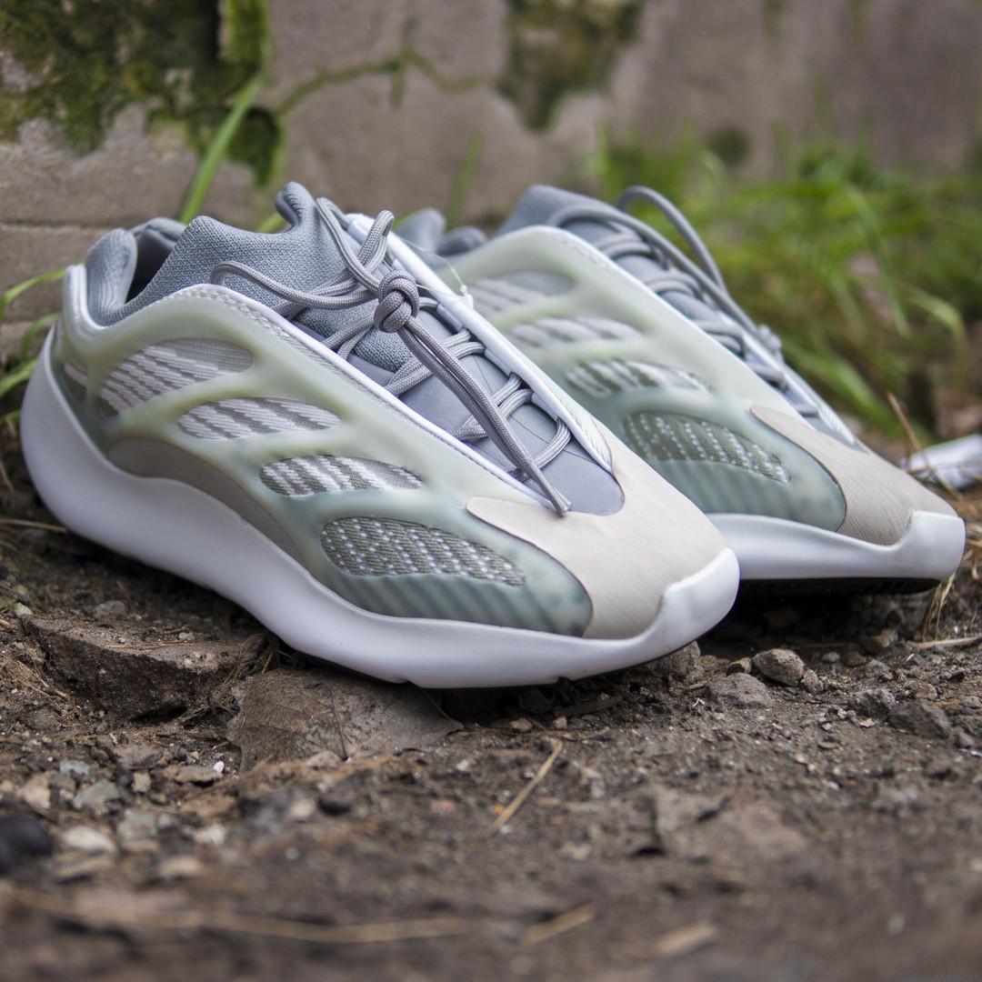 Мужские кроссовки в стиле Adidas Yeezy 700 V3 grey green, Адидас Изи Буст 700 (Реплика ААА)