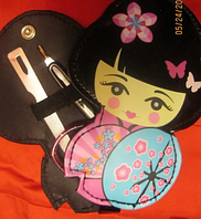 Набор маникюрный ножницы пилочка чехол-девочка японка