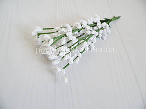 Гілка з пінопластовими тичинками біла