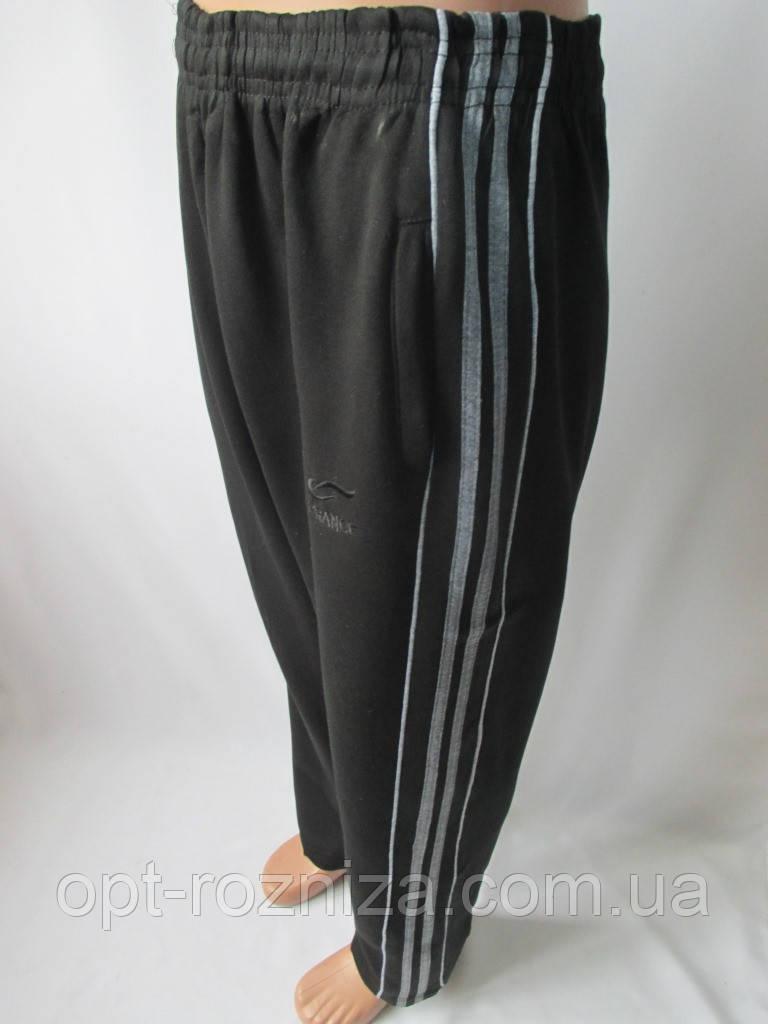 Чоловічі трикотажні штани з кишенями.