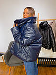 Кожаная женская теплая куртка свободная на кнопках с воротником - стойкой vN6776, фото 3