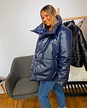 Кожаная женская теплая куртка свободная на кнопках с воротником - стойкой vN6776, фото 5