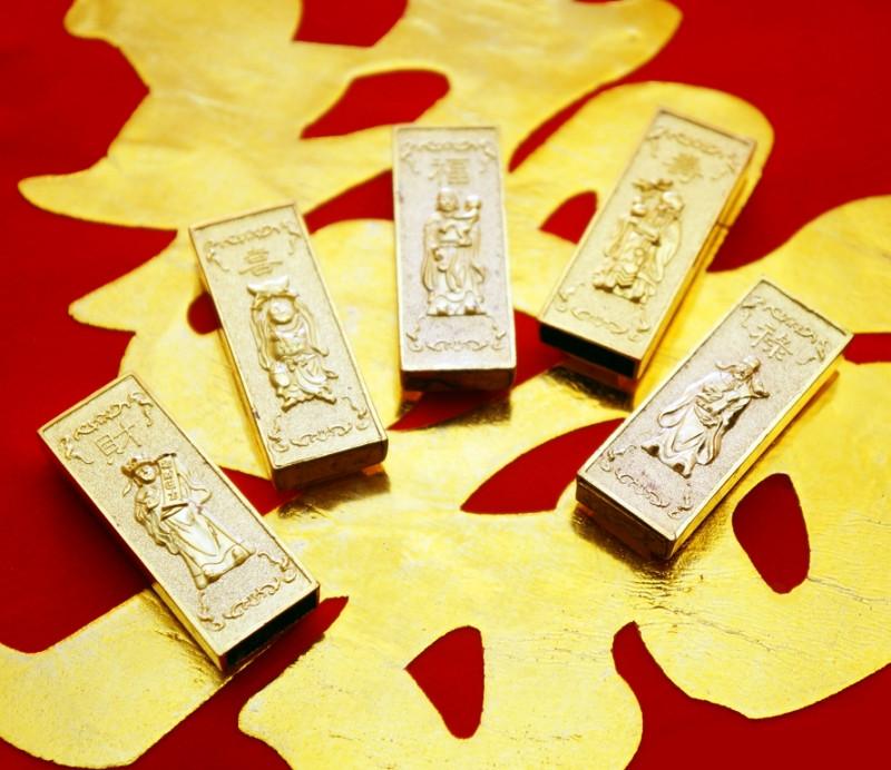 """Набор из пяти """"золотых"""" слитков """"5 богов"""""""