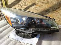Фара ліва Ford Escape 13-16 Ксенон США вживана, фото 1