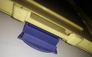 Б/У Пластиковая крышка от контейнера с удобной фиксацией Б/У. 450х350 мм. Крышки для контейнеров, фото 2