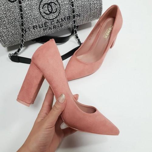 Туфли толстый каблук острый нос темная пудра