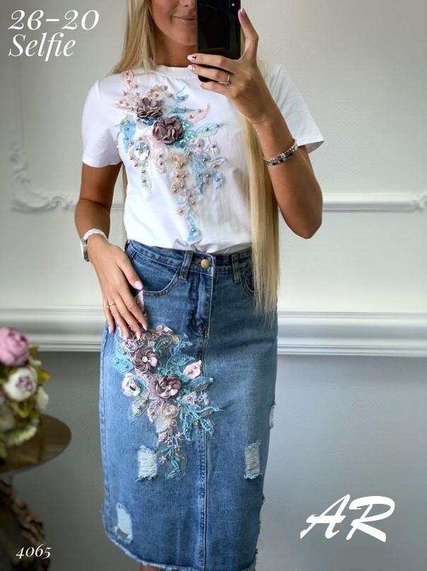 Юбочный костюм с футболкой и джинсовой юбкой карандаш 7910470