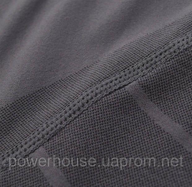 Качество ткани и швов компрессионной футболки