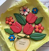 Набор имбирных пряников на 8 марта вазон с цветами