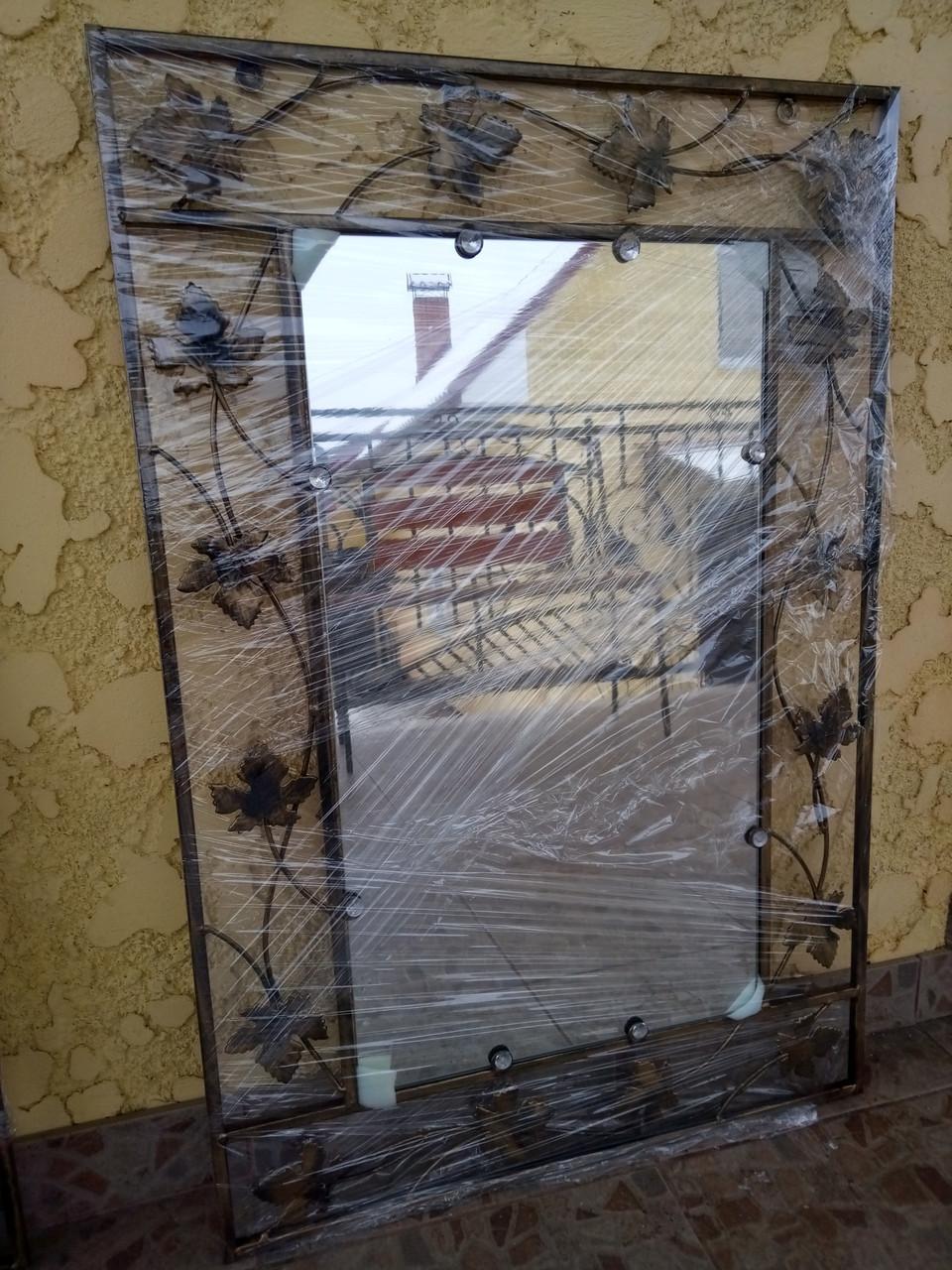 Зеркало в кованой раме большое