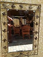 Зеркало в кованой раме малое
