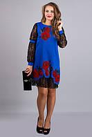 Осеннее нарядное платье средней длины с узором роз и гипюром