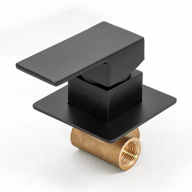 Смеситель скрытого монтажа для гигиенического душа BSGD-02 с дизайном квадратной формы.