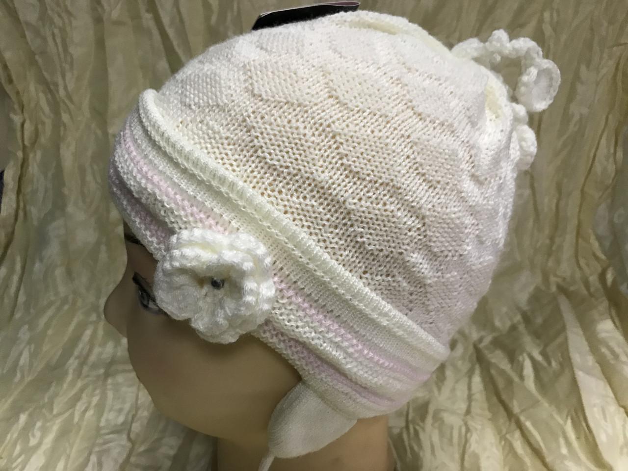 Одинарная белая шапочка с ушками на 1-2 года