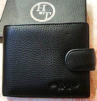 Мужской черный кошелек H&T из натуральной кожи  на кнопке с зажимом для купюр