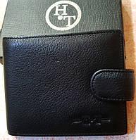 Мужской черный кошелек H&T из натуральной кожи на кнопке