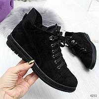 Стильные черные замшевые женские туфли на шнуровке