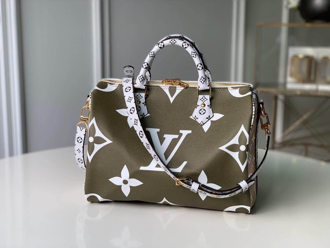 Сумка від Louis Vuitton