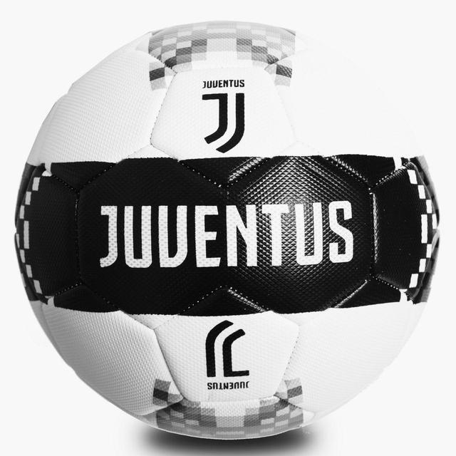 Мяч футбольные клубные и сборных