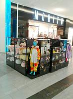 Торговый остров для продажи одежды