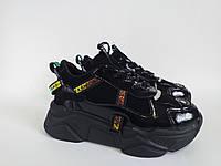 Лёгкие, стильные кроссовки на платформе чёрного цвета эколак кожа отличного качества. Комфортные кроссовки.