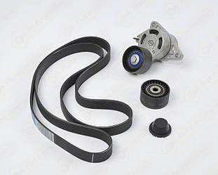 Комплект натягувач+ролик+ремінь на Renault Trafic II 06->2014 2.5 dCi (+AC) - Renault (Оригінал) - 117204663