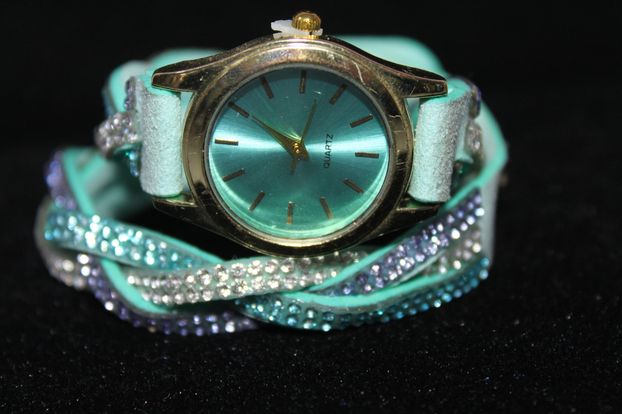 Изысканные часы намотка длинный ремешок с камнями