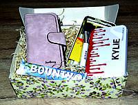 Набор подарочный для женщин 3 в1 . Кошелёк, набор кистей для макияжа Кylie, шоколадный батончик Баунти.