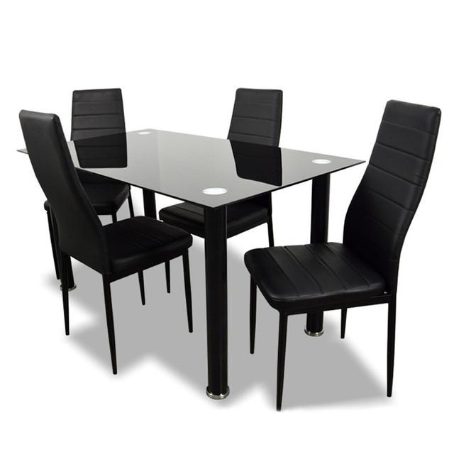 Столы кухонные и кухонные комплекты