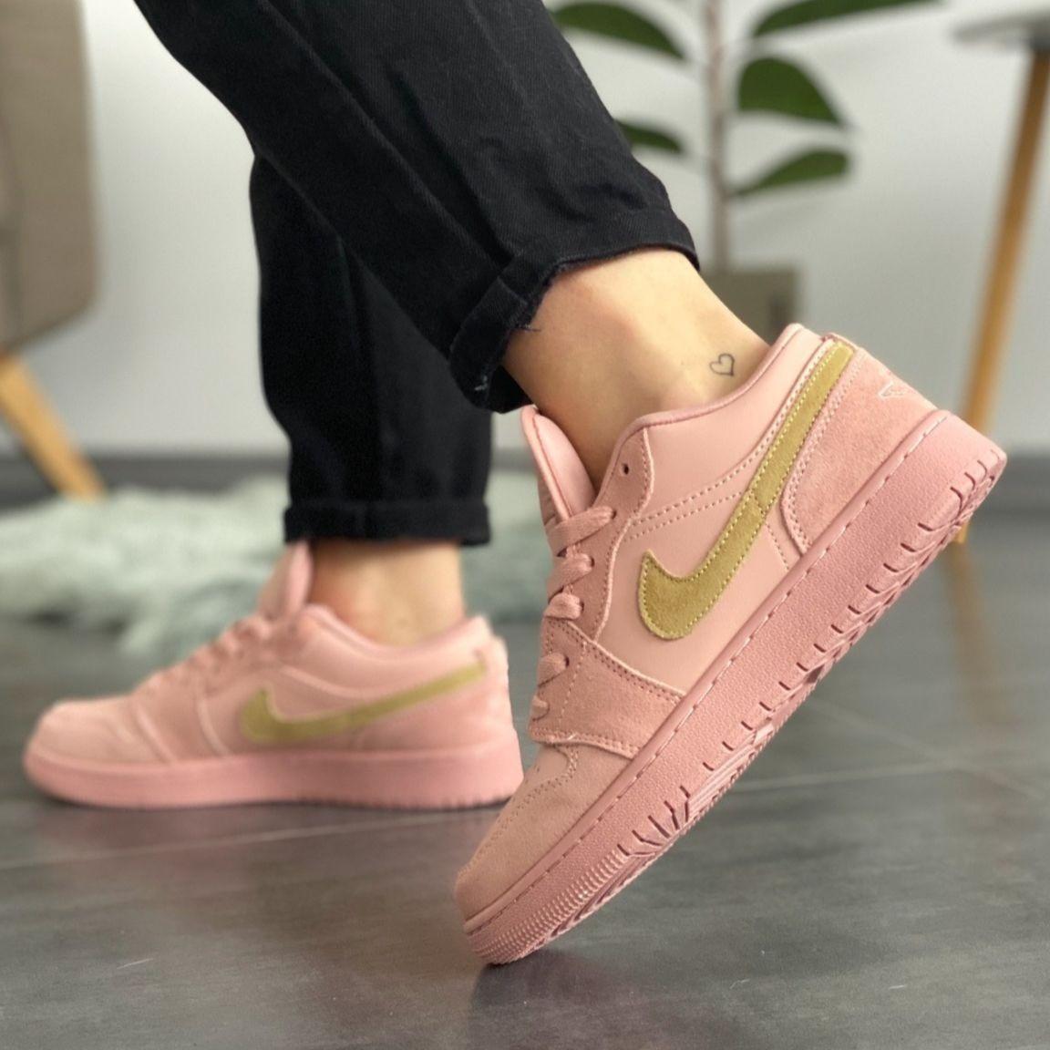 Женские кроссовки в стиле Nike Air Jordan 1 Low Coral Suede