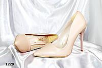 Женские туфли лодочка,беж на шпильке