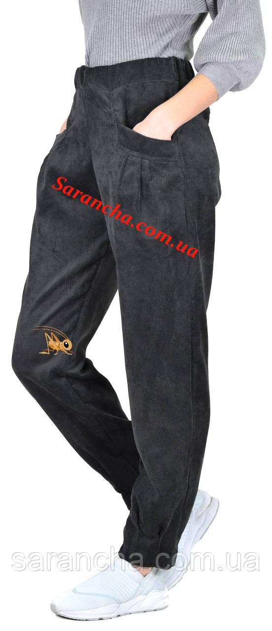 Молодежные женские брюки из мелкого вельвета серого цвета