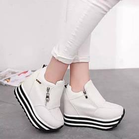 Женские кроссовки на  платформе