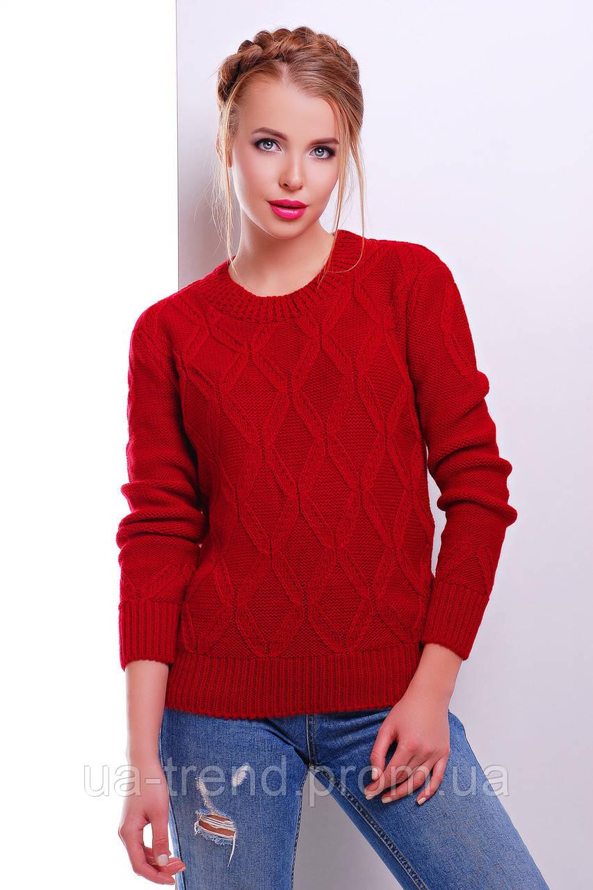 Женский свитер красного цвета