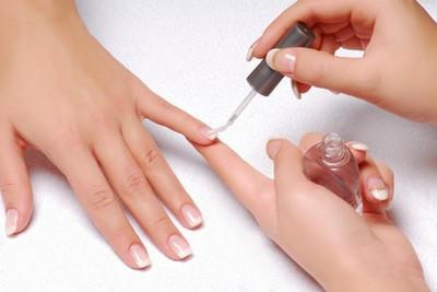 Базовые и топовые покрытия для ногтей
