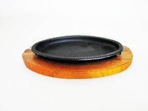 Форма чугунная на деревянной подставке овал 22*13*2 см