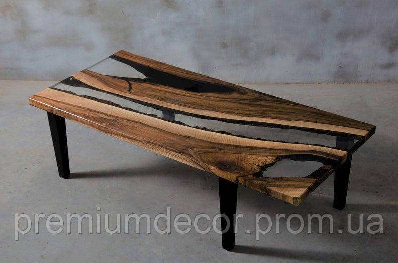 Стол из массива дерева слэба европейского ореха с эпоксидной смолой река лофт 150X70X46 см