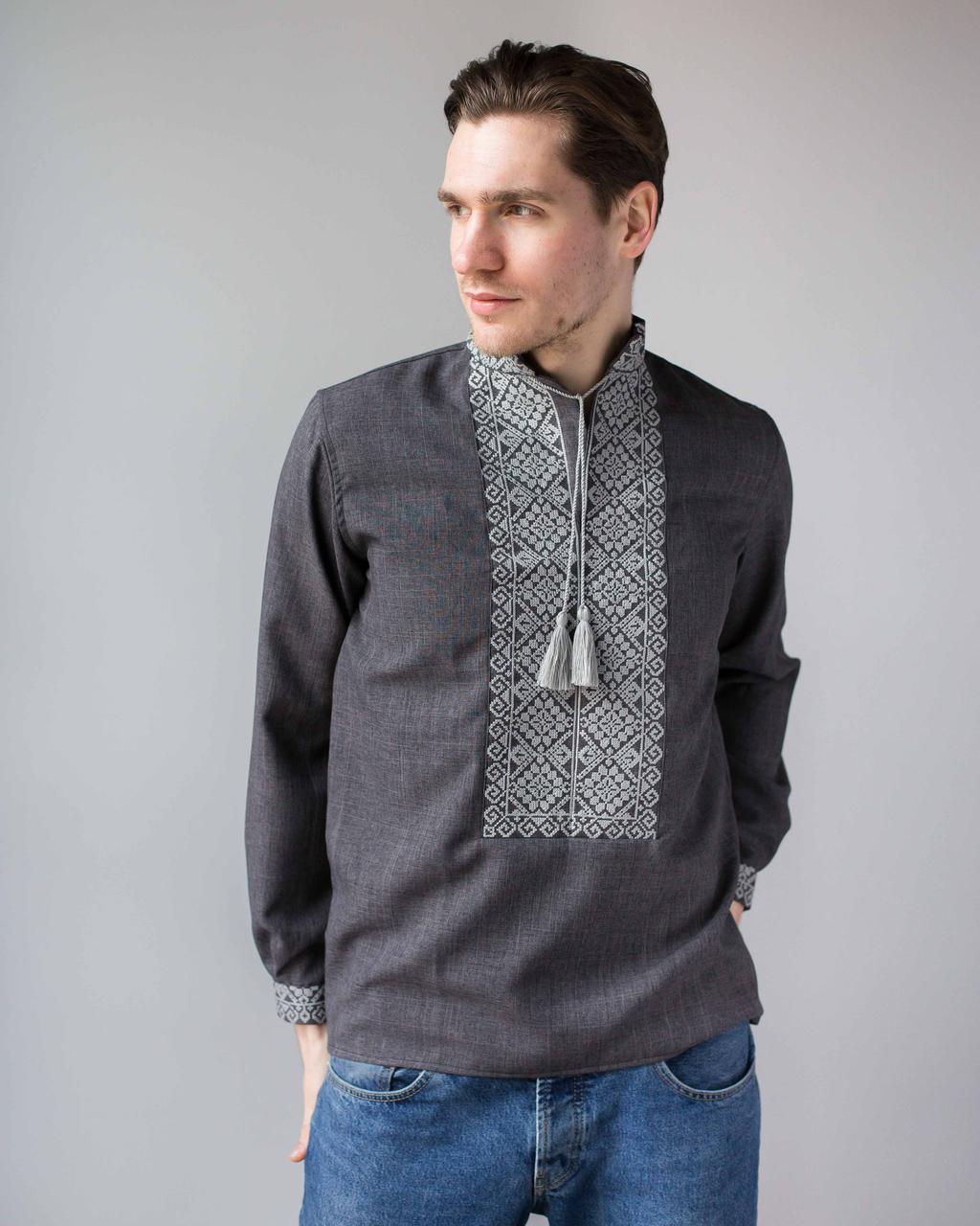 Вышитая мужская сорочка