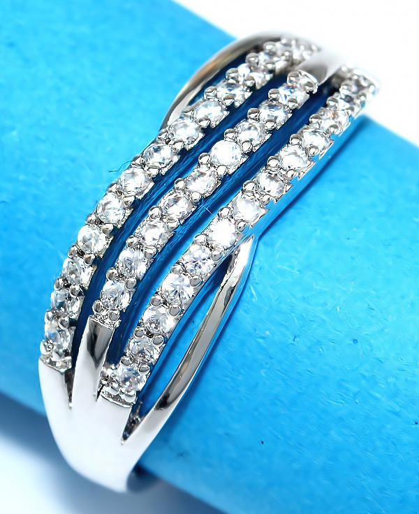 Кольцо  фирмы Xuping.Цвет: серебряный . Камни: белый циркон. Есть: 16р. 17р. 19р. 20р. Ширина: 7 мм.