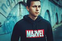 """Свитшот мужской с капюшоном черный """"Marvel"""""""