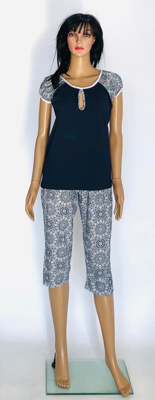 Трикотажная пижама женская с бриджами