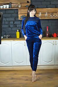 Жіночий домашній костюм велюровий Serenade синій з чорним мереживом
