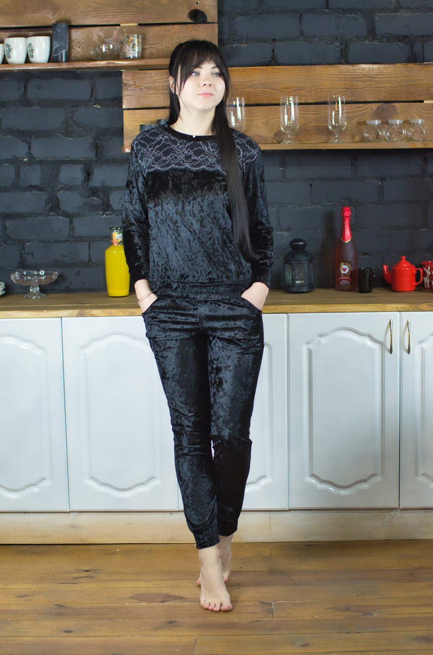 Женский домашний костюм велюровый Serenade черный с черным кружевом
