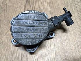 Вакуумный насос Renault Master, Opel Movano 2.2, 2.5, 1998-2010, 8200797164 (Б/У)