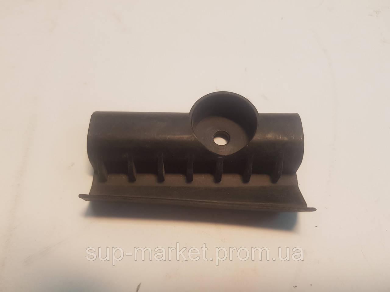 4B9807986A Направляющая бампера задняя правая A6 C5 2.5TDI 1997-2004