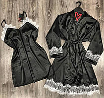 Черный шелковый комплект с белым кружевом халат и комбинация.